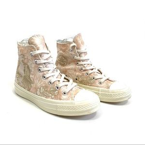 Chuck Taylor Hi top embroidered bird pink